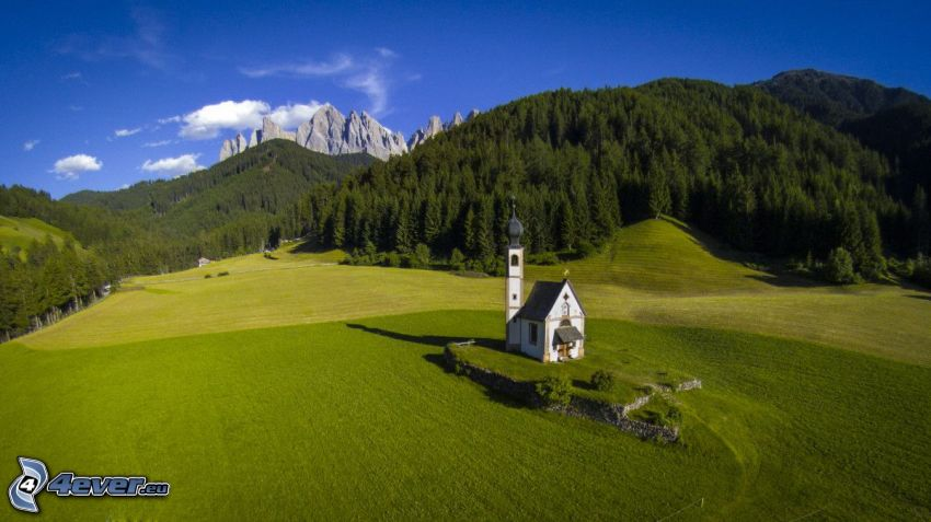 Val di Funes, Olaszország, templom, rét, sziklák, erdő