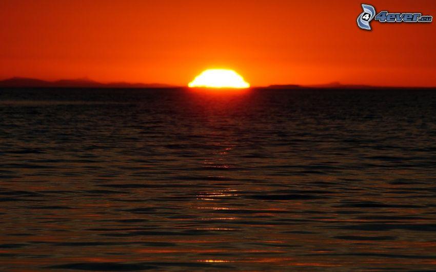 naplemente a tengeren