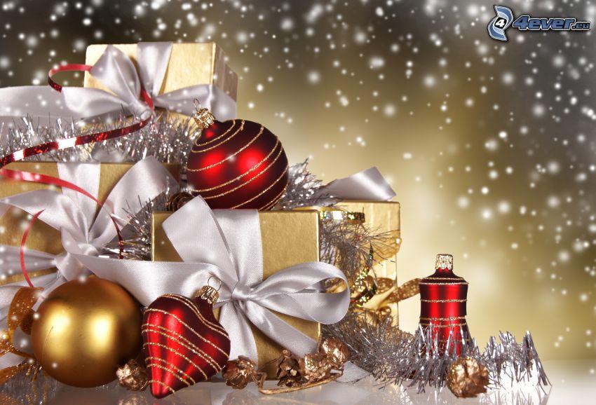 karácsonyi díszek, ajándékok