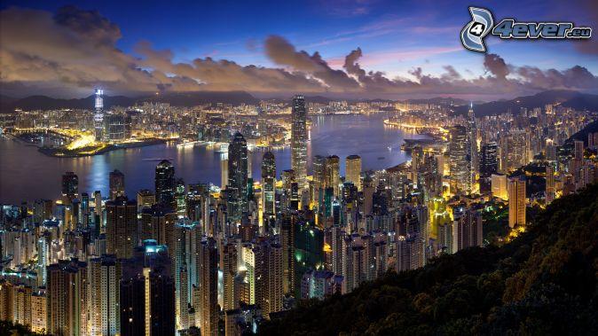 Hong Kong, miasto wieczorem