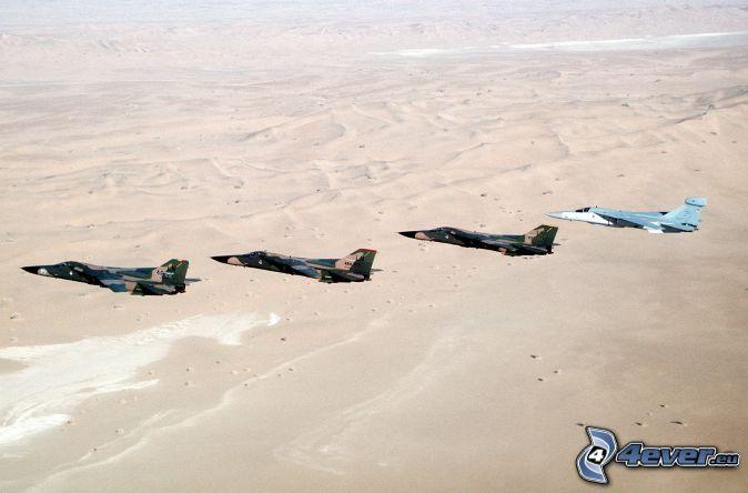 F-111 Aardvark, myśliwce