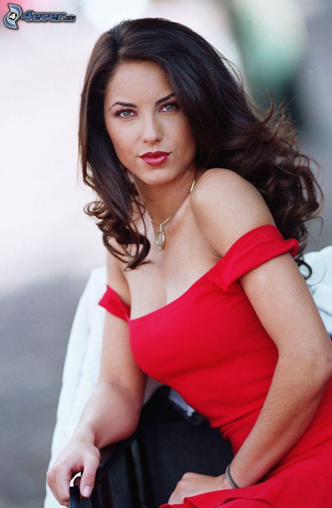 Barbara Mori, czerwona sukienka, czerwone usta