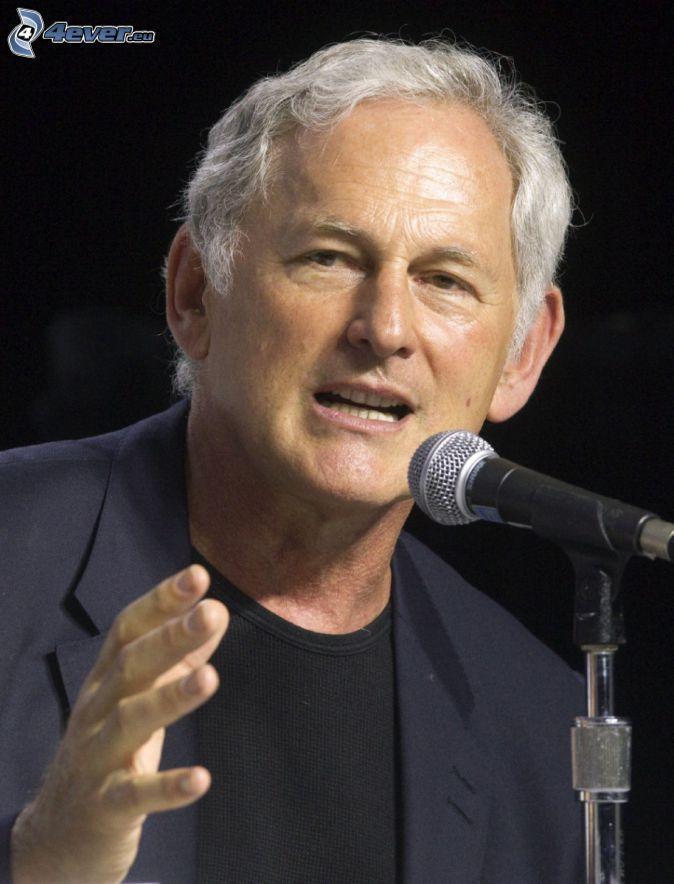 Victor Garber, mikrofon