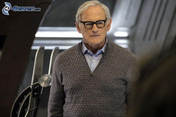 Victor Garber, sweter, mężczyzna w okularach