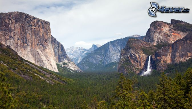 Dolina Yosemite, El Capitan, góry skaliste, wodospad, las iglasty