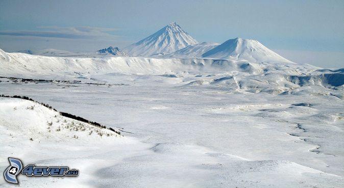 Kronocka Sopka, śnieżny krajobraz
