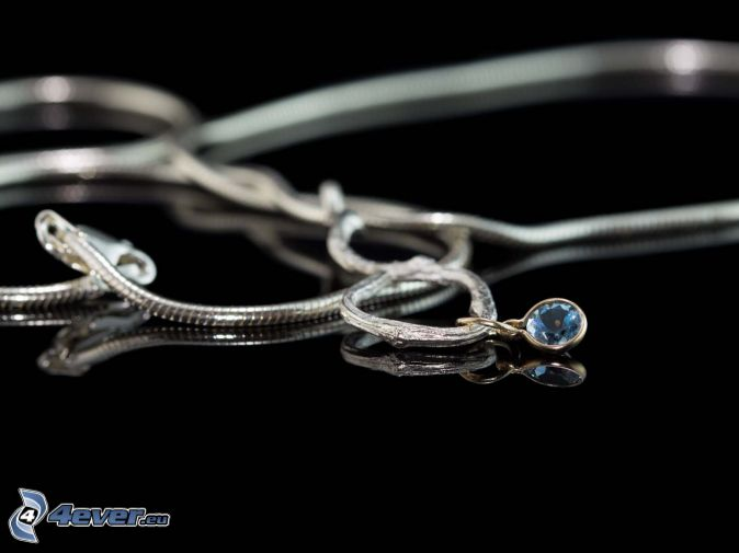 srebrny wisiorek, łańcuszek