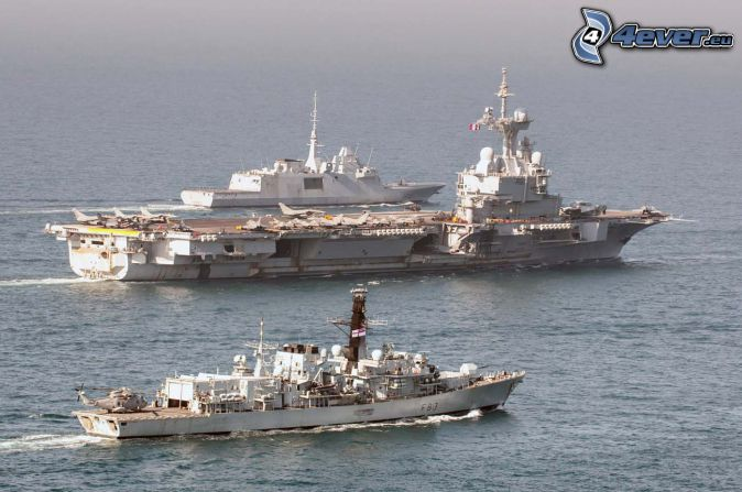 R91 Charles de Gaulle, lotniskowiec, morze
