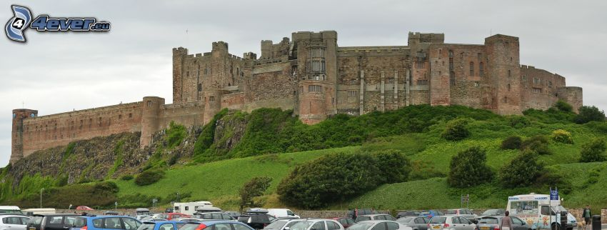 Bamburgh castle, parking