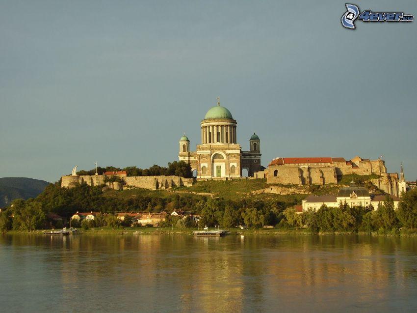 Bazylika w Esztergom, Dunaj