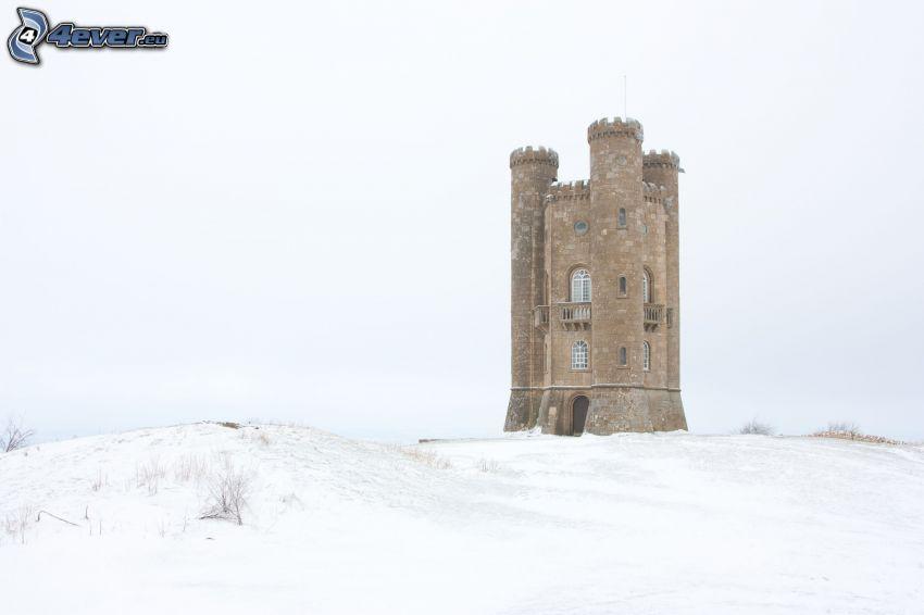Broadway Tower, śnieg