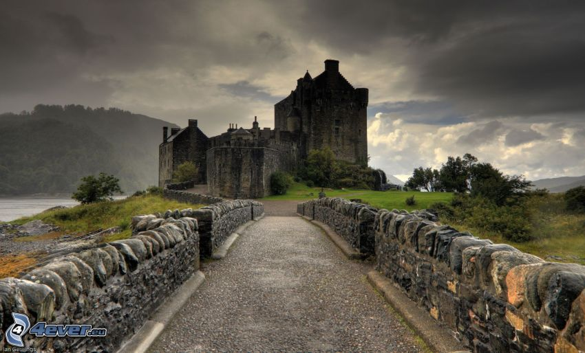 Eilean Donan, Szkocja, kamienny most, HDR