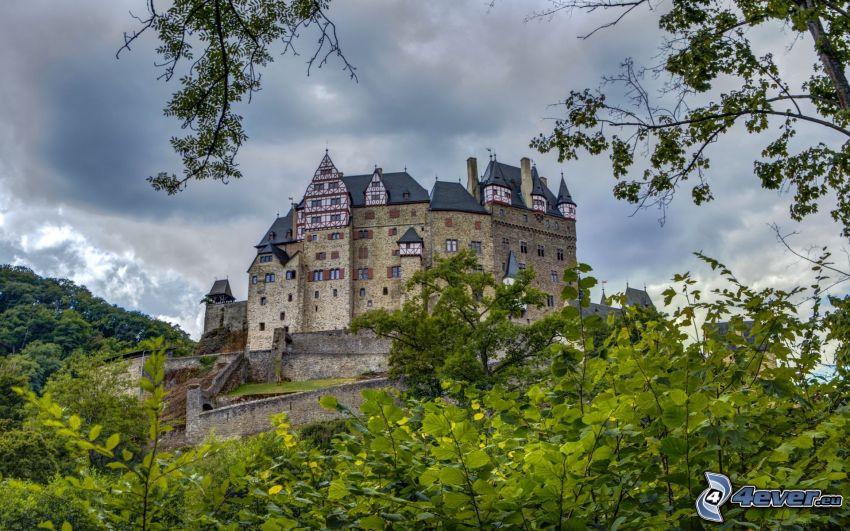 Eltz Castle, zieleń