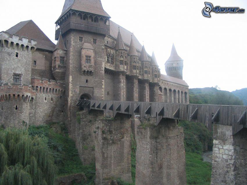 Hunyad, zamek, most