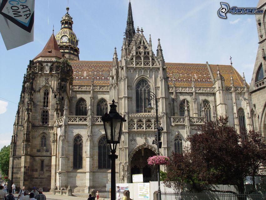 Katedra św.Elżbiety, lampa uliczna
