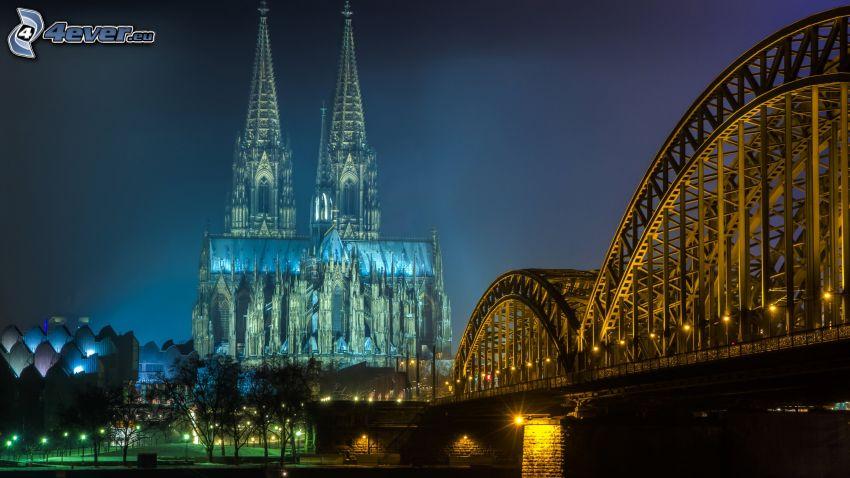 Katedra w Kolonii, Hohenzollern Bridge, oświetlony most, Kolonia