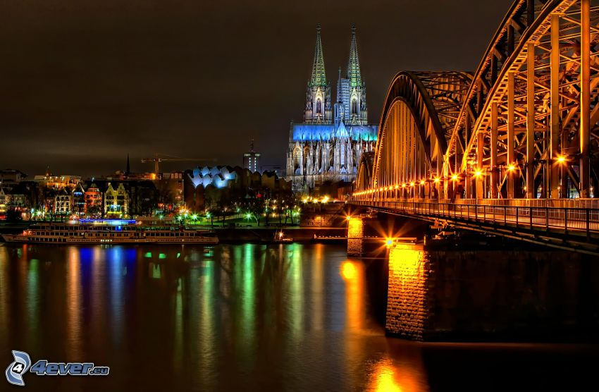 Katedra w Kolonii, Kolonia, oświetlony most, Hohenzollern Bridge, miasto nocą