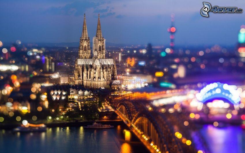 Katedra w Kolonii, miasto nocą, Kolonia, Hohenzollern Bridge