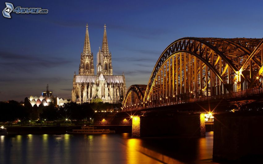 Katedra w Kolonii, oświetlony most, Hohenzollern Bridge, Kolonia