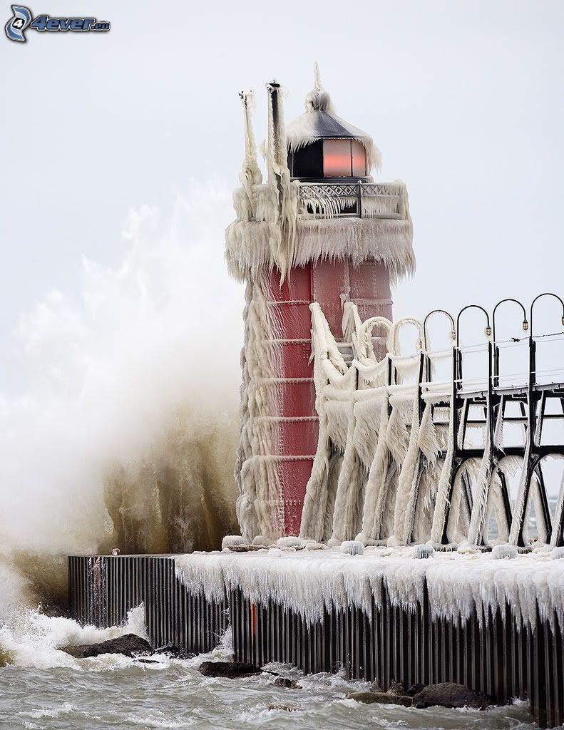 molo z latarnią morską, szron, South Heaven, Michigan, USA