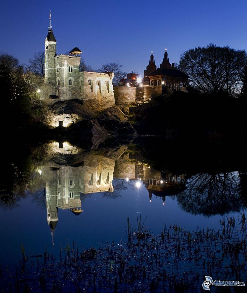 Pałac Belwederski, noc, odbicie