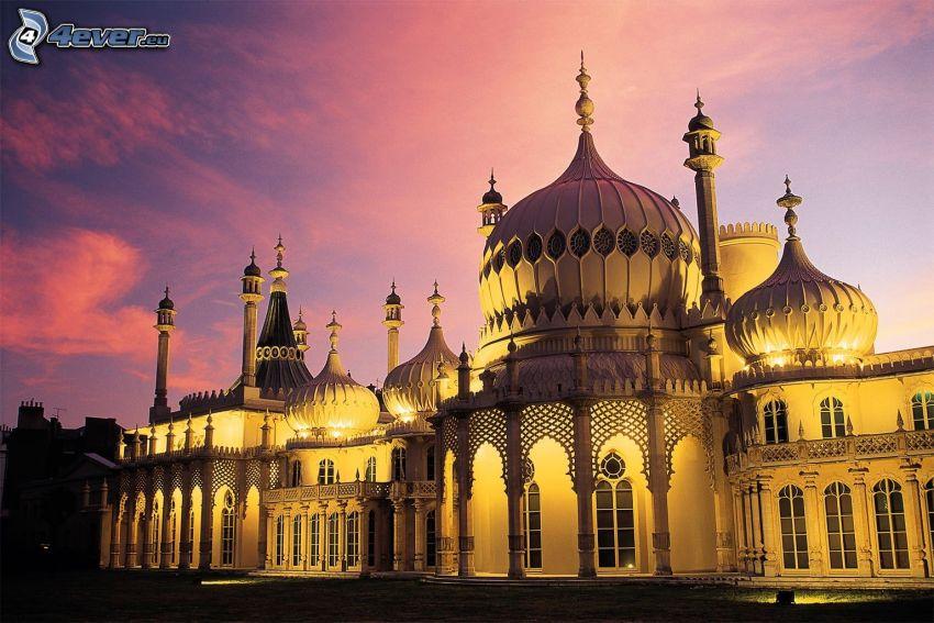 Royal Pavilion, niebo o zmroku, fioletowe niebo