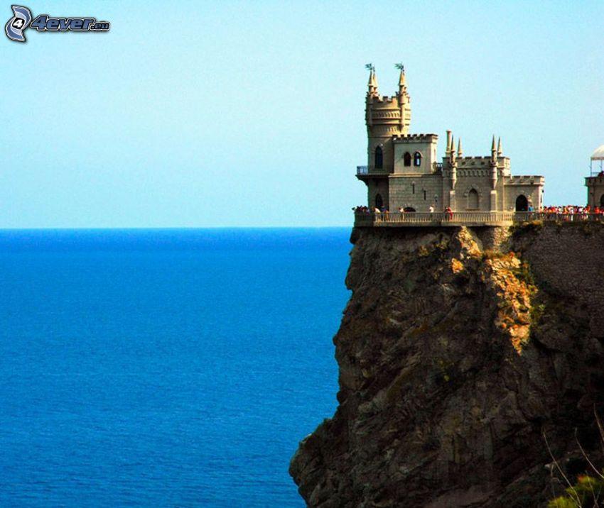 Swallow's Nest, nadmorskie urwiska, zamek przy wodzie, widok na morze