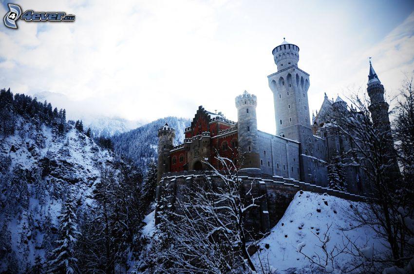 zamek, śnieg