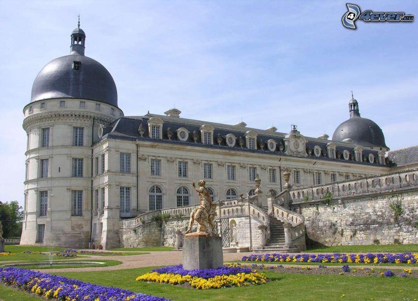 zamek w Valençay, dziedziniec