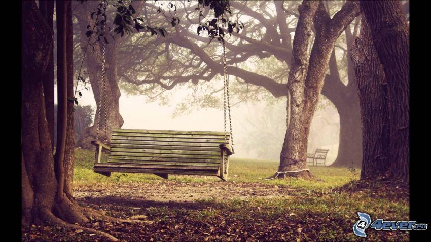huśtawka, drzewa, ławeczka