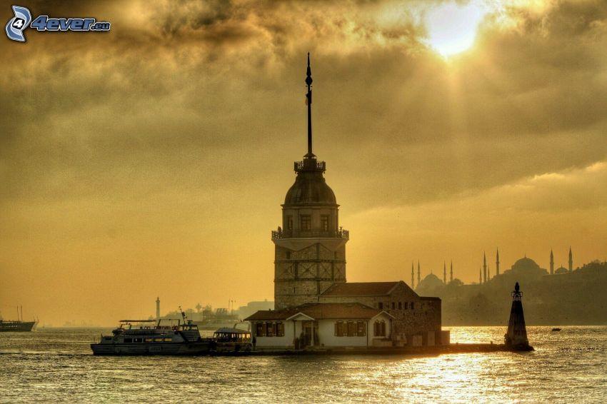 Kiz Kulesi, słońce, promienie słoneczne