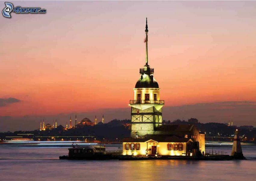 Kiz Kulesi, wieczór