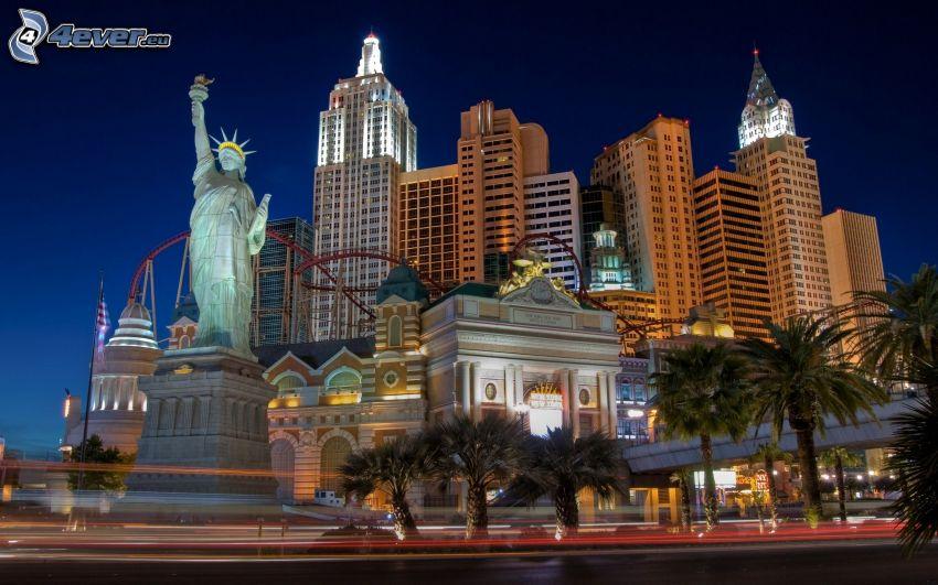 Las Vegas, Statua Wolności, wieczór