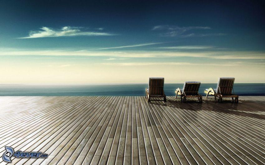 leżaki na plaży, morze
