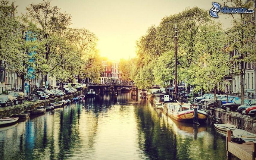 Amsterdam, łódki