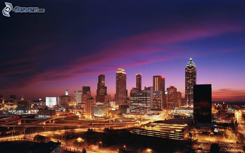 Atlanta, miasto nocą, wieżowce
