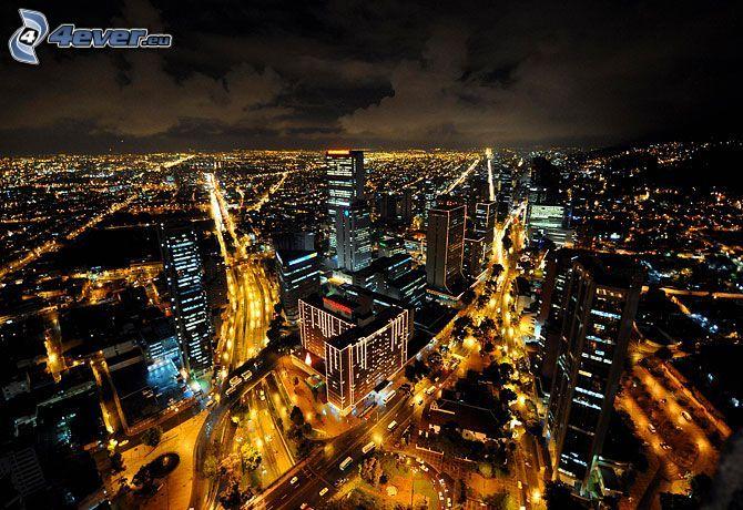 Bogota, miasto nocą