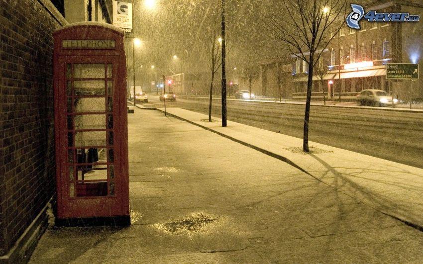 budka telefoniczna, ulica, śnieg