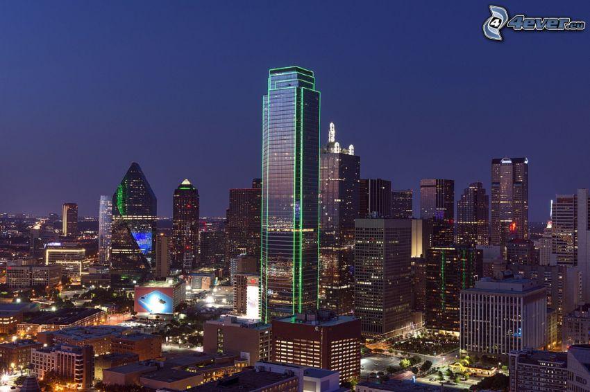 Dallas, miasto nocą, wieżowce