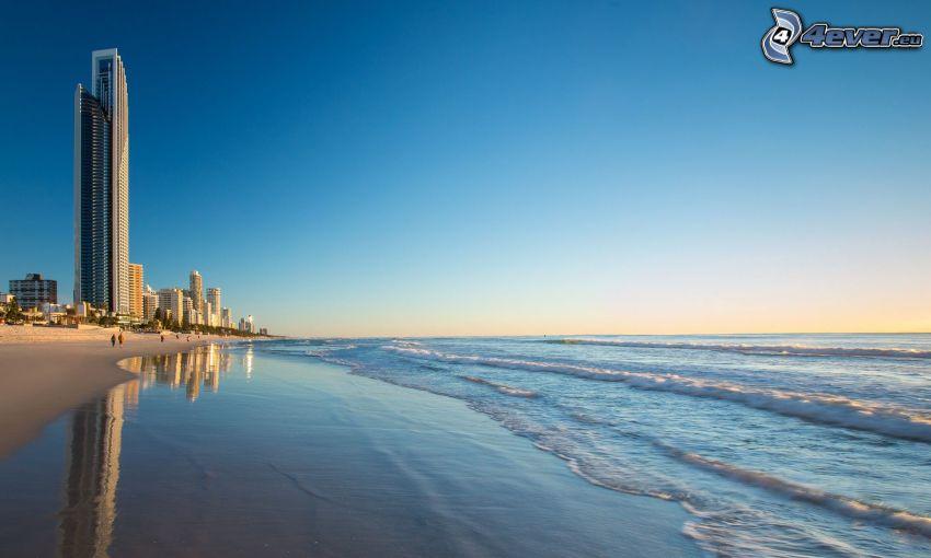 Gold Coast, morze, plaża piaszczysta, drapacz chmur