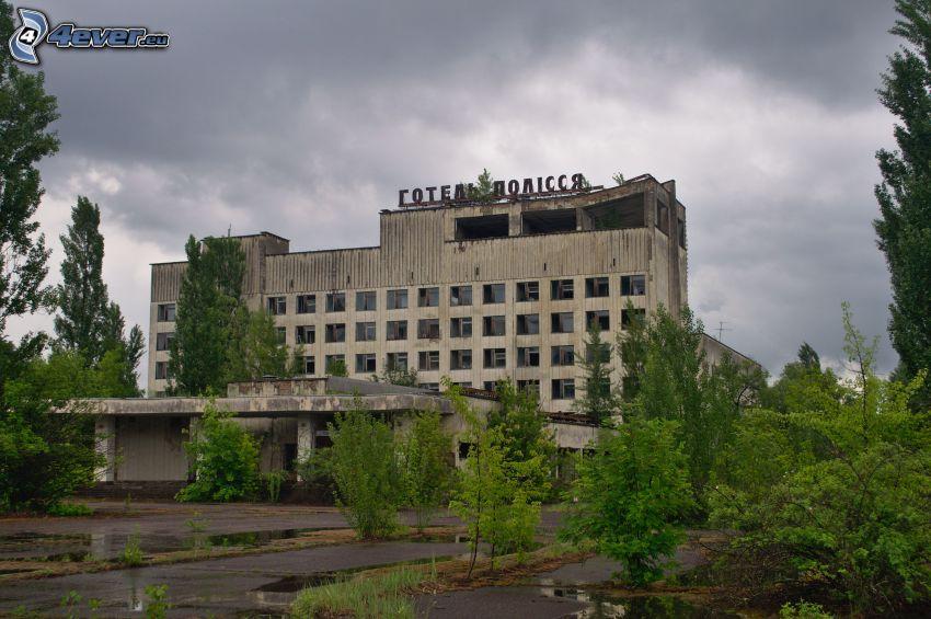 hotel, stara budowla, drzewa, Prypeć