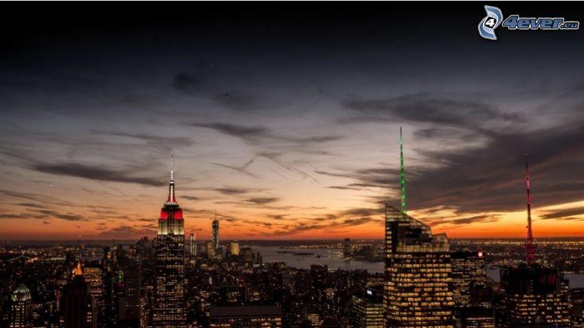 Manhattan, Empire State Building, miasto wieczorem