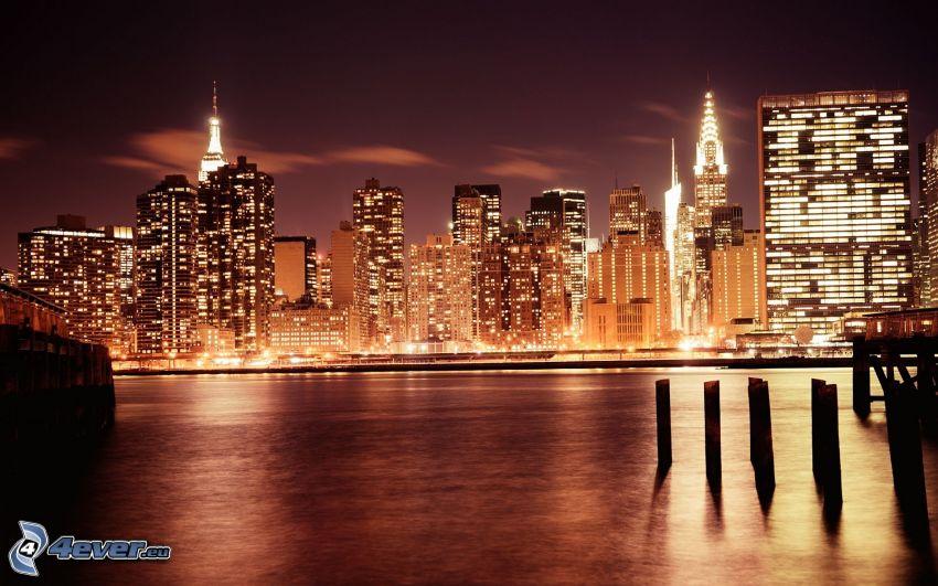 Manhattan, miasto nocą