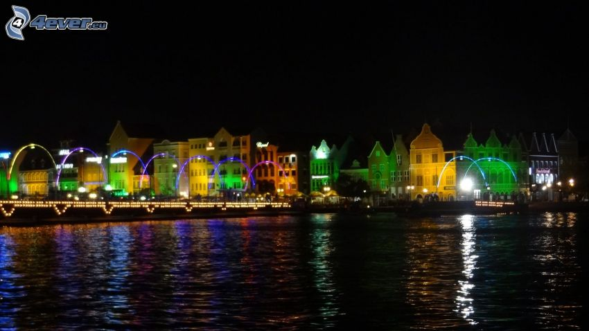 miasto nocą, kolorowe domy, port, Curaçao