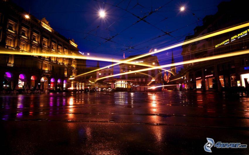 miasto nocą, światła