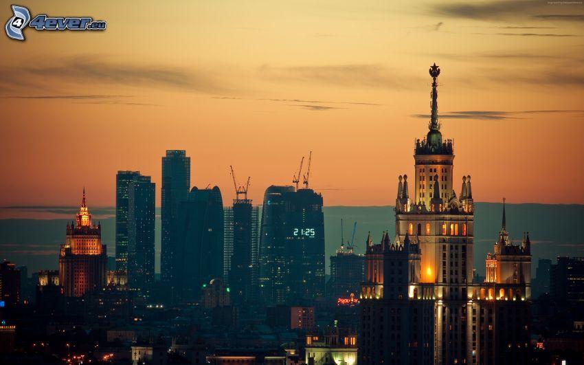 Moskwa, miasto wieczorem