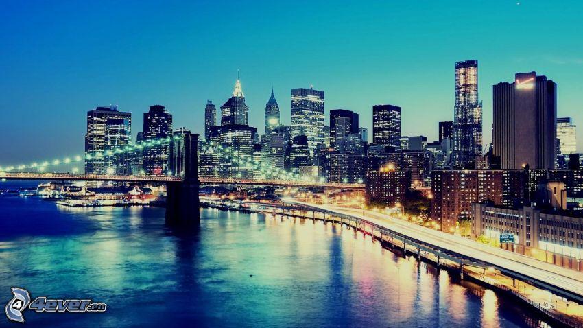 New York, Brooklyn Bridge, wieżowce, miasto wieczorem