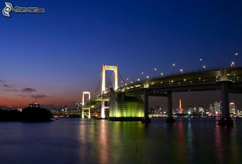 oświetlony most, miasto wieczorem, rzeka, Tokio