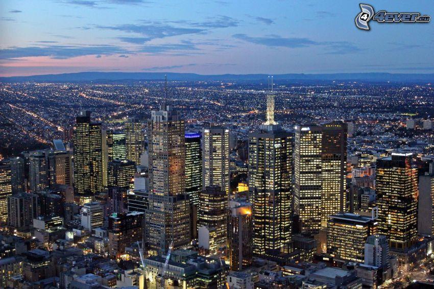 Perth, wieżowce, miasto wieczorem