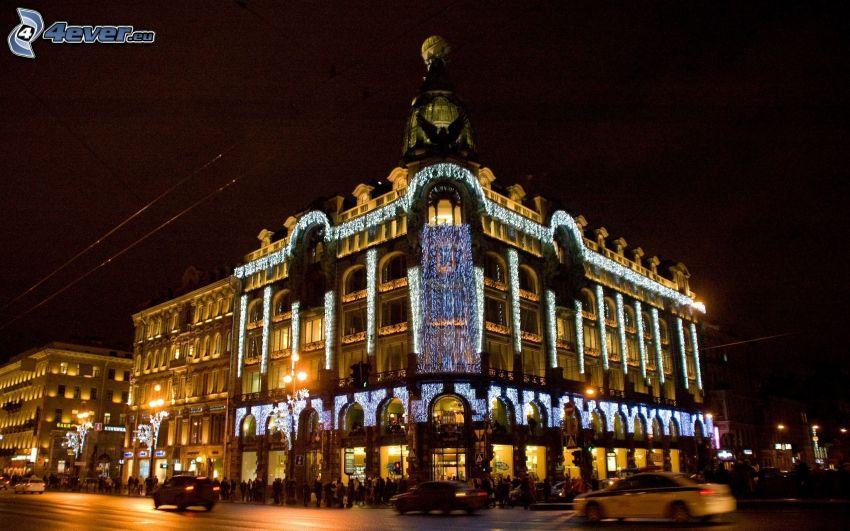 Petersburg, oświetlony budynek